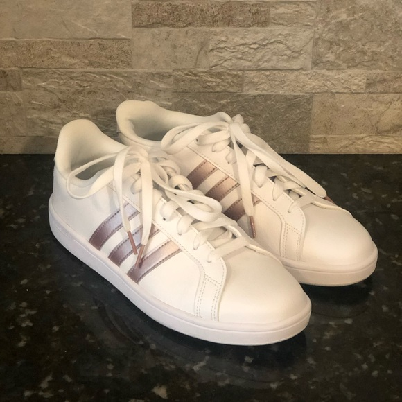adidas Grand Court Sneaker Women's Women's Shoes DSW    adidas skor   title=         Kvinnors Grand Court Sneakers          Poshmark